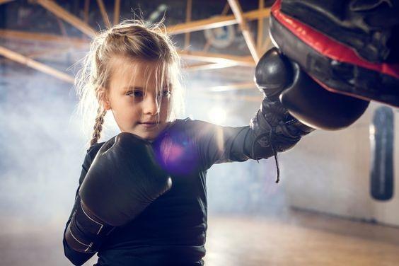 ศิลปะการต่อสู้แบบผสมผสานเหมาะสำหรับเด็กหรือไม่?
