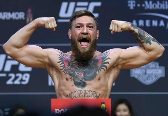 5 นักสู้ MMA ที่มีร่างกายแข็งแกร่งและแสนอันตรายใน UFC
